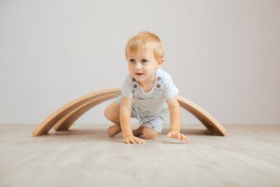 Climbing under a Curvy balance board